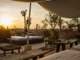 Puesta de sol en la terraza panorámica.