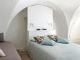 living room and kitchen Palazzina Alchimia Fasano Puglia