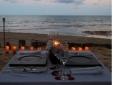 Jantar romântico na praia