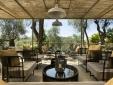 breakfast & lounge area