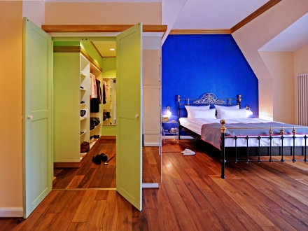 secretplaces the dude berl n berlin alemania. Black Bedroom Furniture Sets. Home Design Ideas